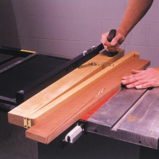 Tablesaw Taper Jig #SitFurnitureDiy #woodworking