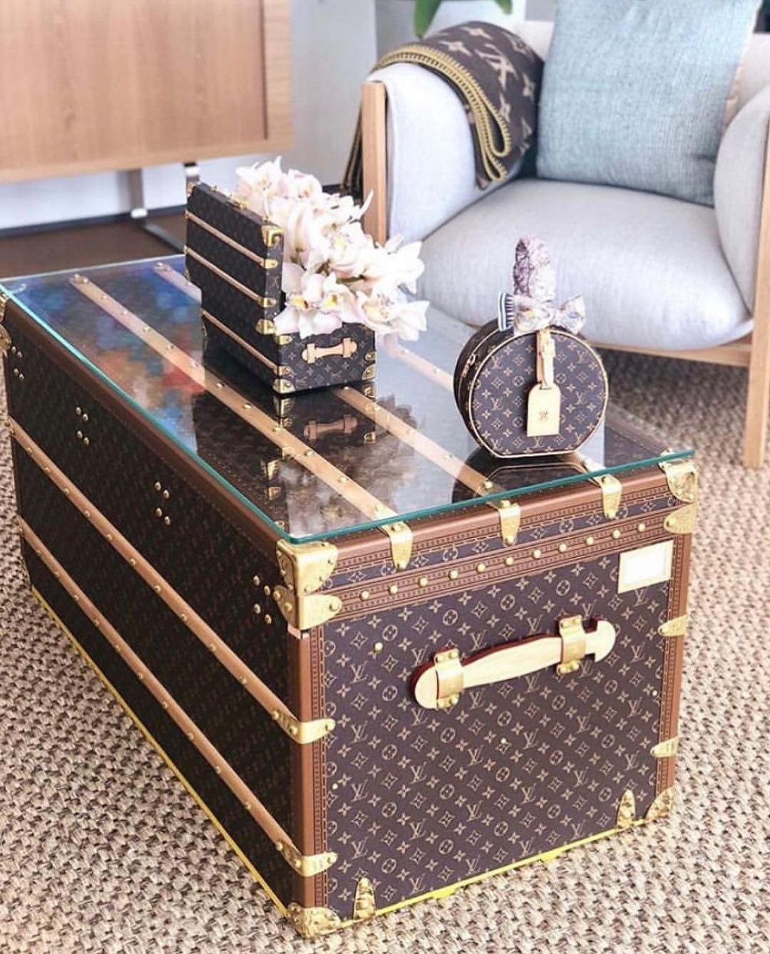 Louis Vuitton On Instagram What A Coffee Table Should Look Like Louisvuitton Style Louis Vuitton Trunk Replica Handbags Vintage Louis Vuitton #trunks #for #living #room