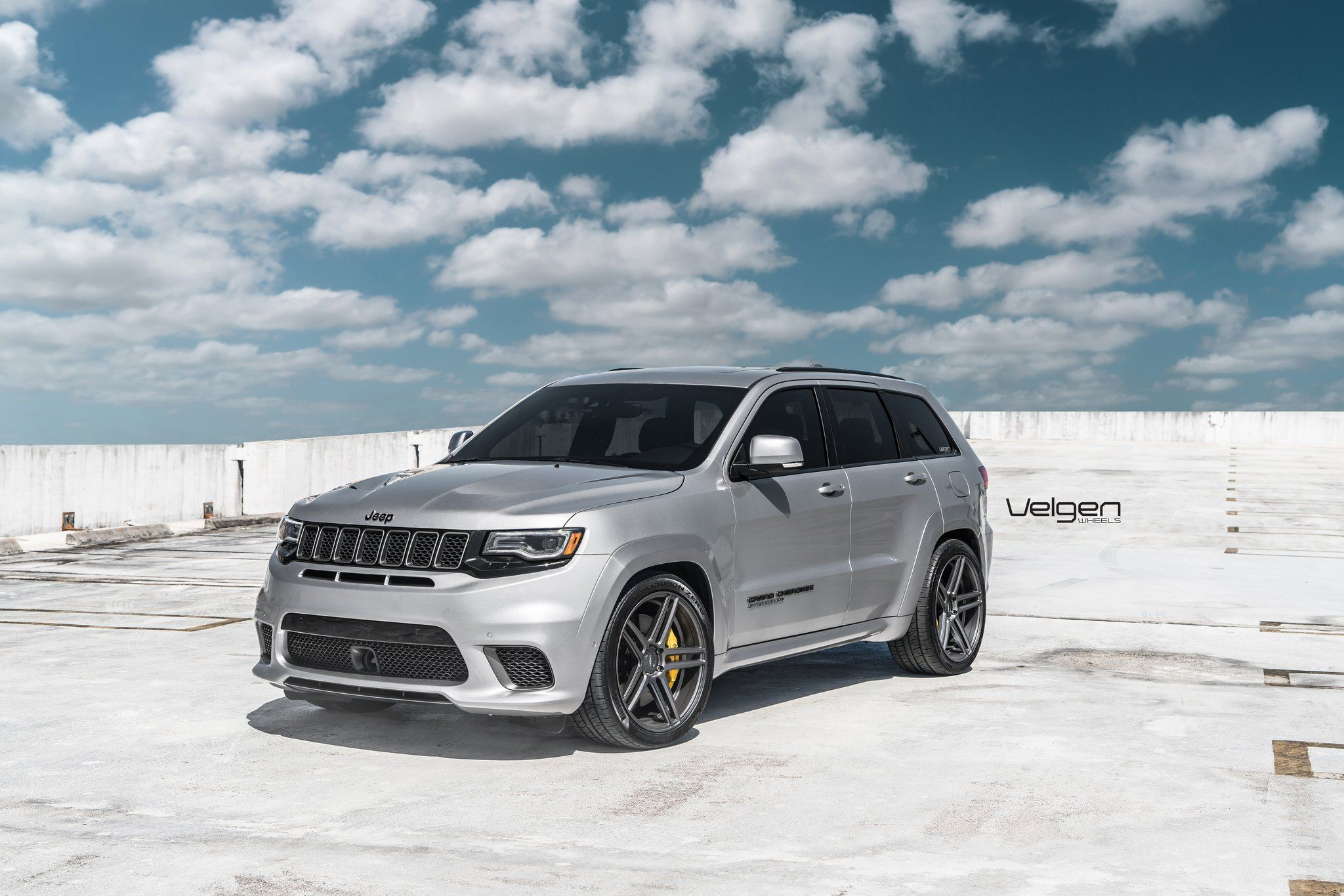 Moderate Customization For Silver Jeep Grand Cherokee On Velgen