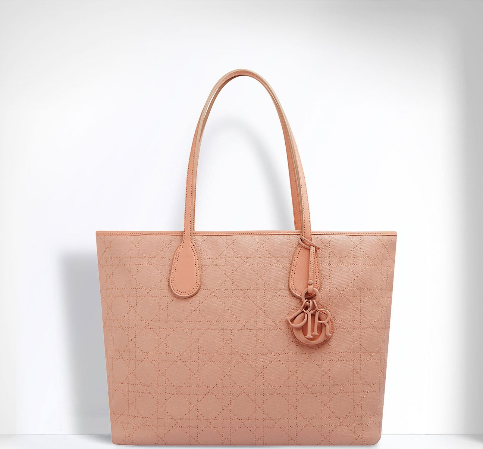 Introducing the New Dior Panarea Shopping Tote Bag for The new version of  Dior Panarea for Spring/Summer 2014 is made of 'Rosato' canvas, and feature