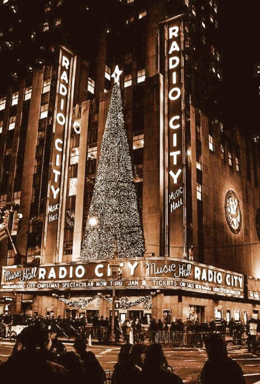 Pin By Avery Brown On Winter In 2020 Nyc Christmas New York Christmas Radio City