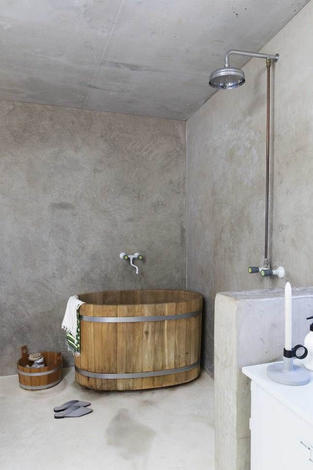 Anese Theme Tadelakt Bathroom Idea Pairing A Beautiful Wooden Tub With Finish Works Well In This Amazing