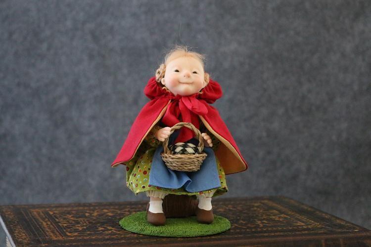 Cooper_Dolls_for_the_dollsmith_RedHood-FRS.JPG