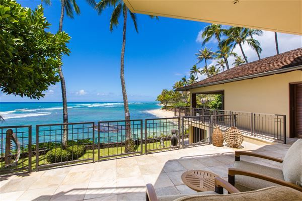 CONTEMPORARY OCEANFRONT HOME IN DIAMOND HEAD | Hawaii Luxury Homes |  Mansions For Sale | Luxury Portfolio