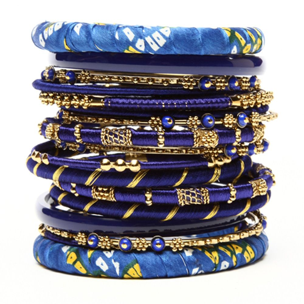 This stunning piece bangle set is sure to stand out in your