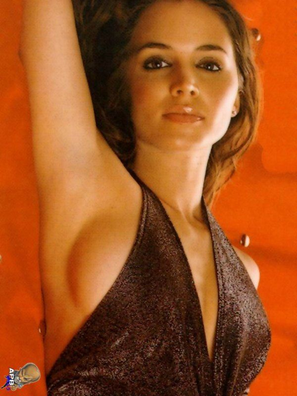 Eliza Dushku - known for her penchant for wearing tank ...