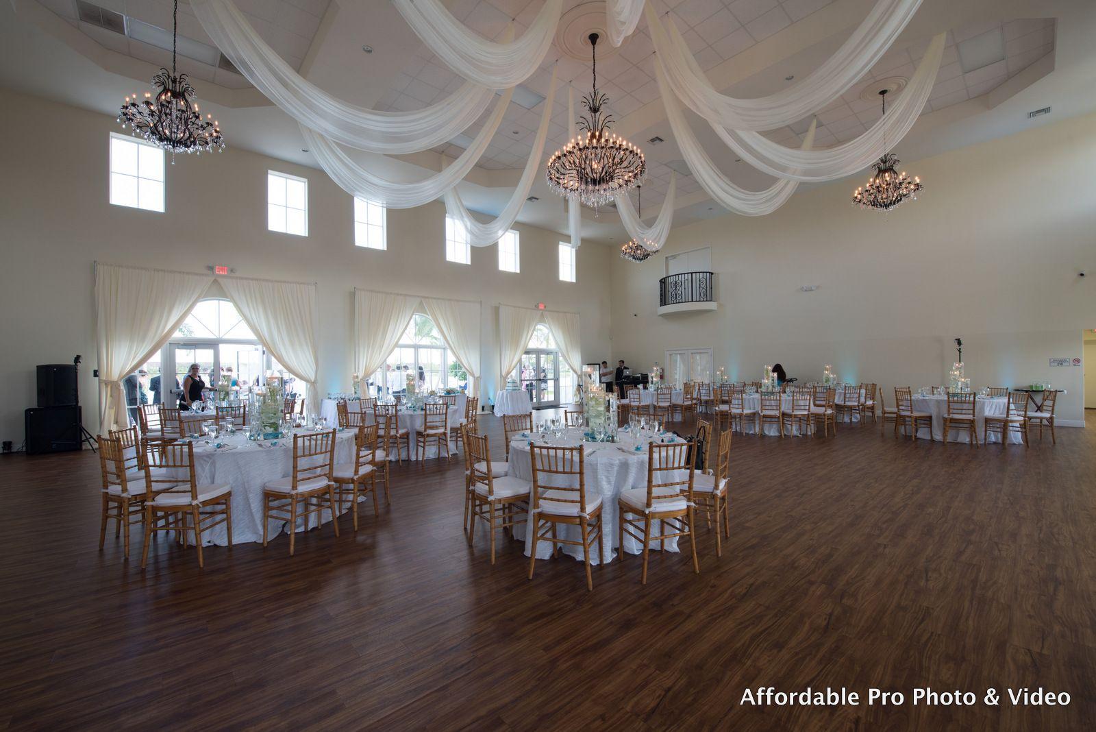 Beautiful spacious reception room @ the Vista Lago ...