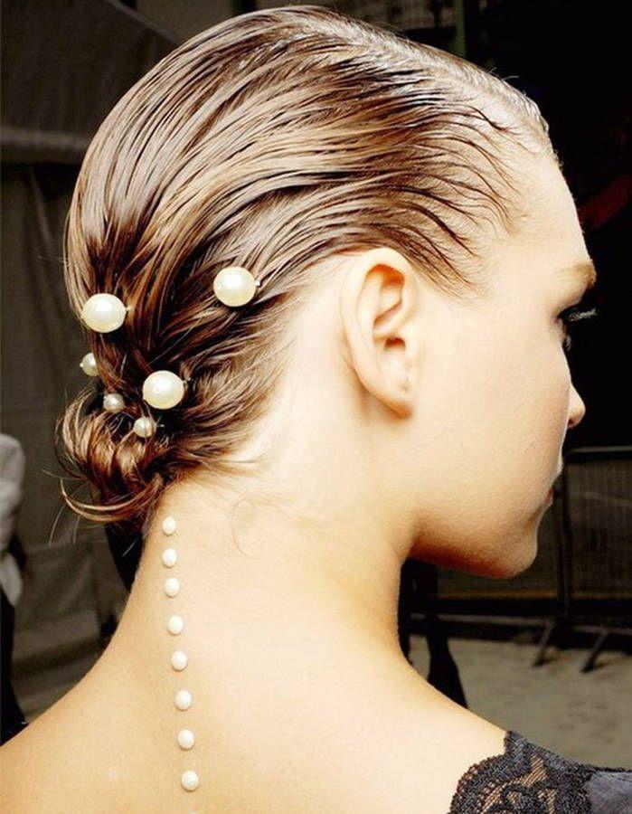 Coiffure cheveux mouillés accessoirisés Perle pour