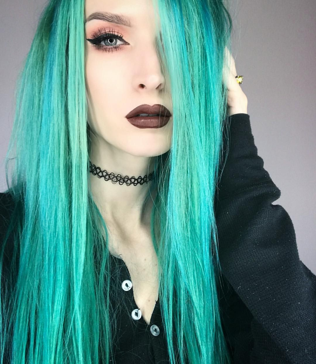 "a05920855f Jade ( jadethelibra) on Instagram  "" Details Hair color  arcticfoxhaircolor   Phantom Green  w  Aquamarine  weaved in for…"""