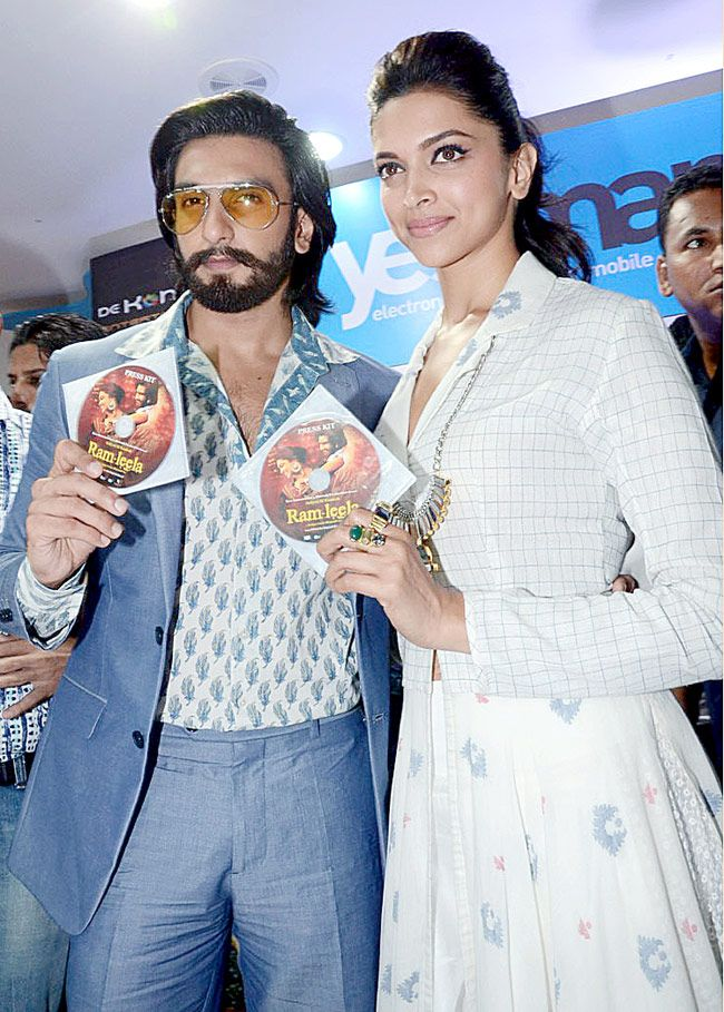 Ranveer Deepika Look Delightful Together Deepika Padukone Leela Bollywood