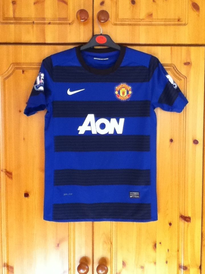 Manchester United Football Club Away Jersey 2011 to 2012 Children 12 to 13 Years
