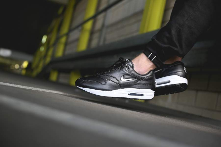 7b595587be8a ... cheapest nike air max 1 premium sc jewel schwarz 918354 001 8c1df 00efd  ...