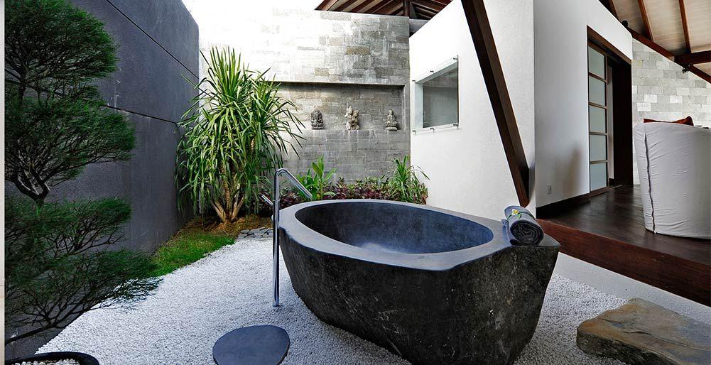 The Layar Villa 2a 1br The Layar 1 Bedroom Outside Bath Outdoor Bathroom Design Outdoor Bathrooms Outdoor Bathtub