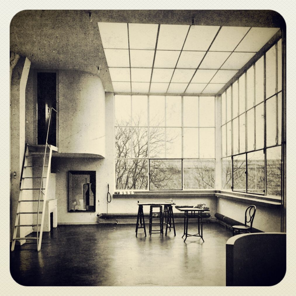 le corbusier maison ozenfant le corbusier pinterest architecture interiors and bauhaus. Black Bedroom Furniture Sets. Home Design Ideas