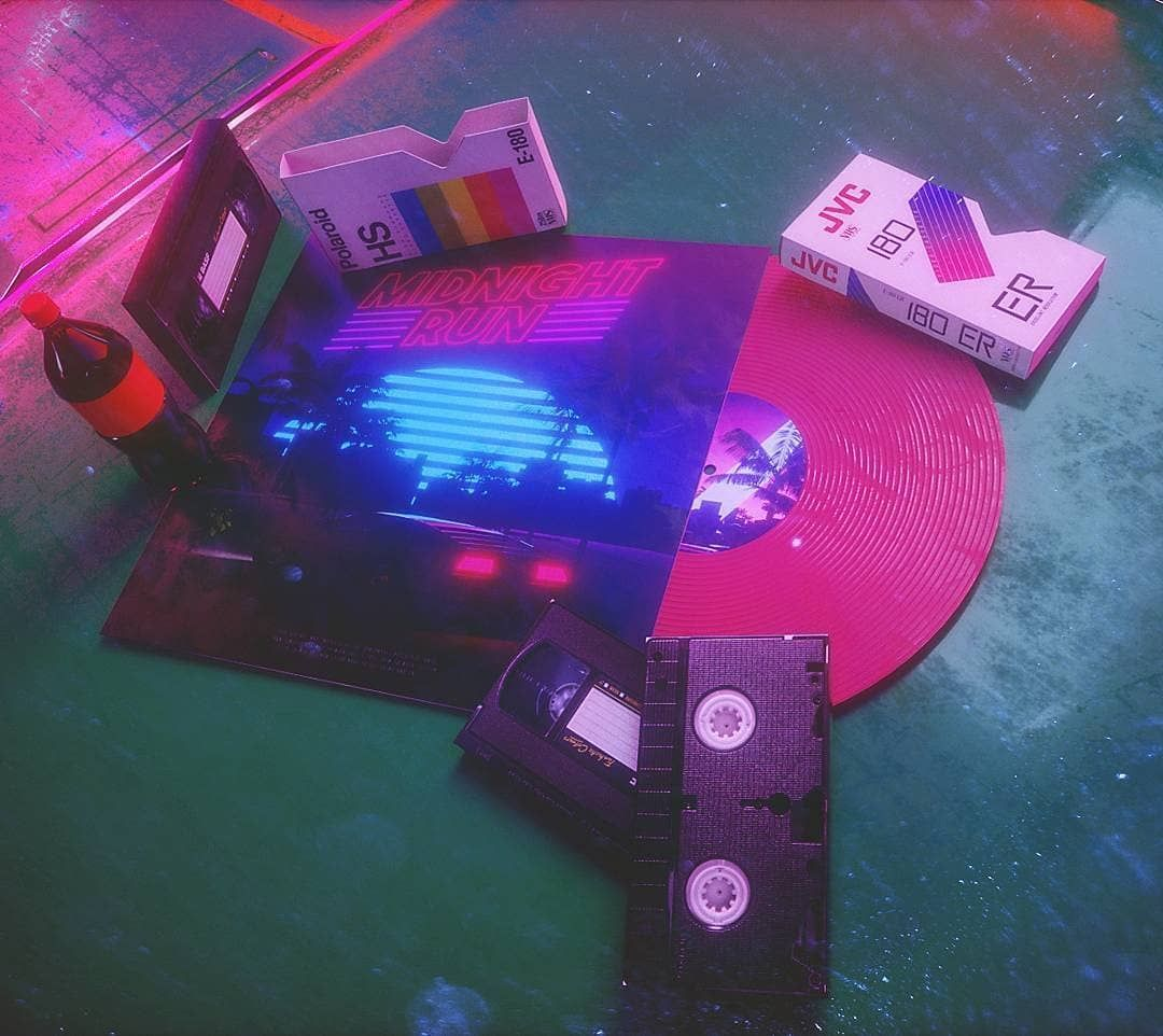 Pin by ᎻᎪNNᎪᎻ on PIN Synthwave, Retro waves, Neon aesthetic