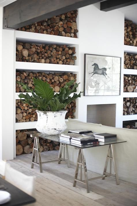 living-rooms-natural-art-decoration-books-hotels-open-shelving-planters-plants-side-tables