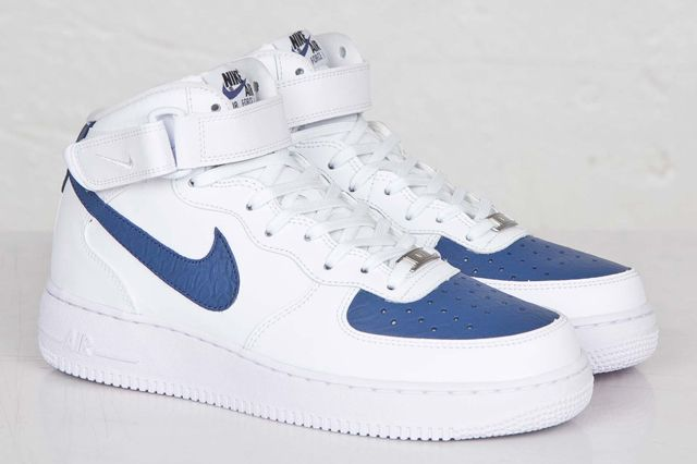 81e5da513c4ab0 Nike comes in hot with these white and blue air force ones