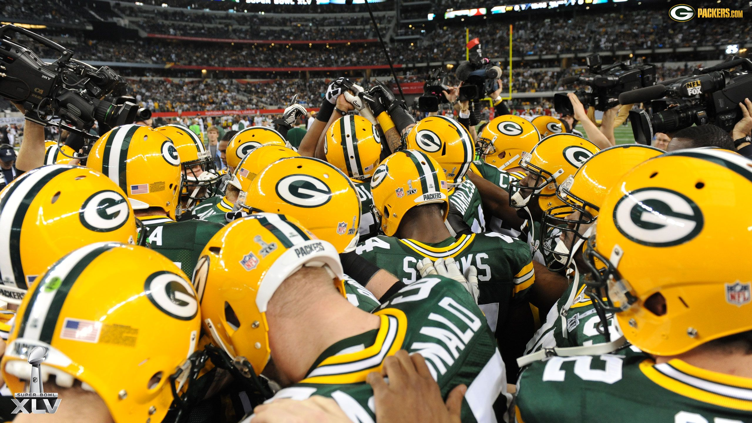 45 Nfl Football Field Wallpaper On Wallpapersafari: Packers Wallpaper Collection For Free Download