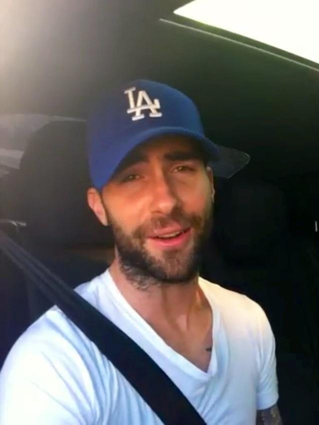 Adam Levine  a9d007b489e