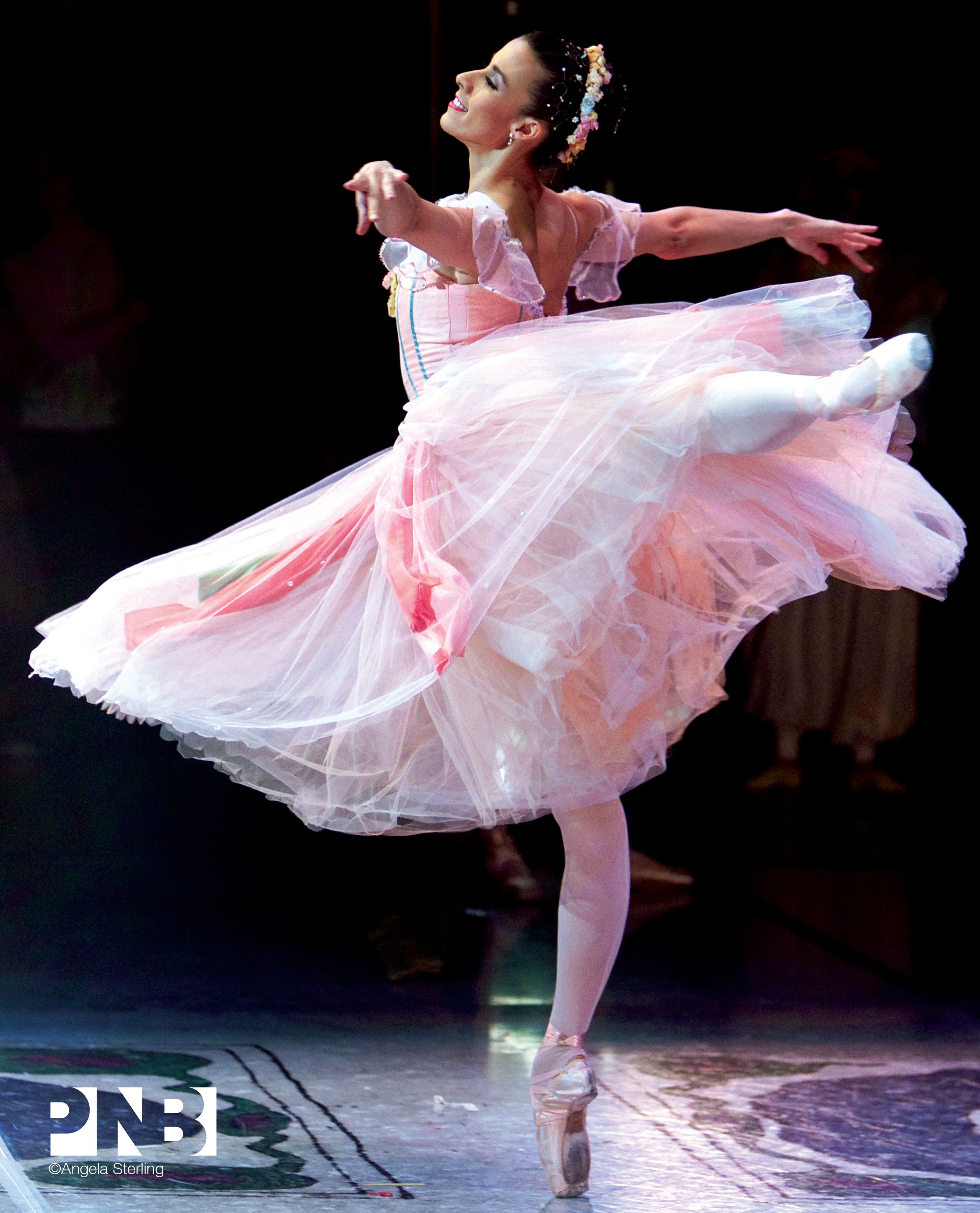 PNB Soloist Lindsi Dec in Nutcracker! #pnb #ballet #nutcracker