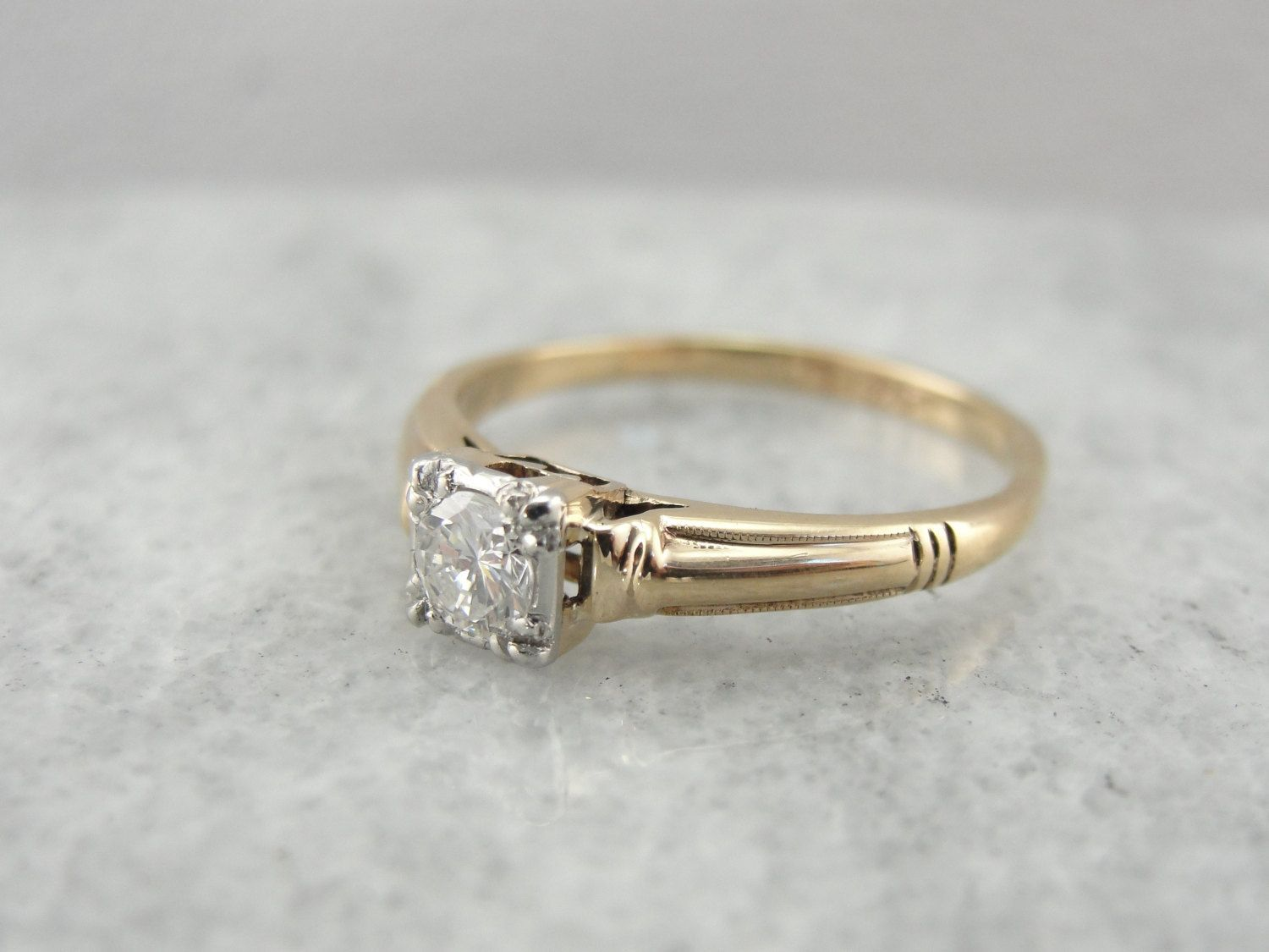 Simple 1940 S Diamond Solitaire Engagement Ring In Yellow Gold Vtnjpc D Ring Diamant Gouden Ring
