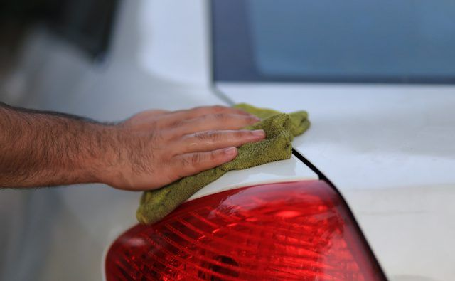 how to remove gasoline smell from car trunk