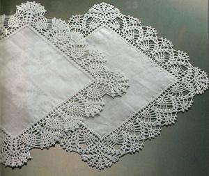 Lavori con l 39 uncinetto delicati bordi per fazzoletti for Schemi bordi uncinetto per asciugamani