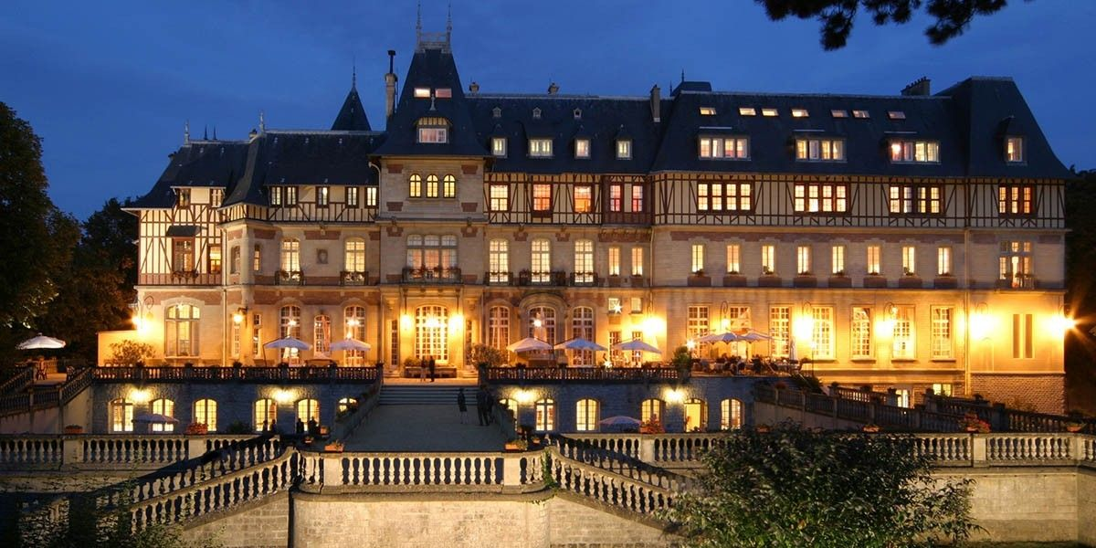 Façade Arrière - Château de Montvillargenne - 4 étoiles - Chantilly #castle #chateau #hotel #chantilly #picardie #picardy #france