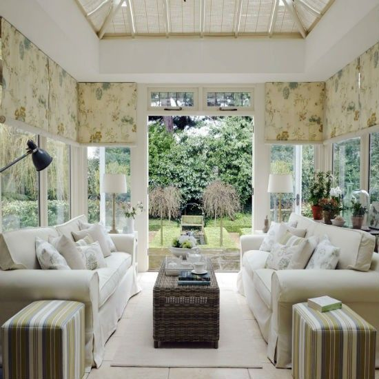 Create a classic garden room conservatory decorating for Conservatory dining room design ideas