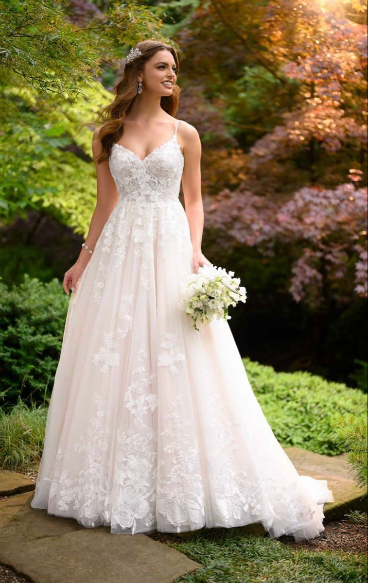 Lace wedding dress l in 11  Essense of australia wedding