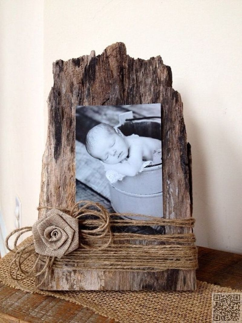 Old barn wood becomes a picture frame ~ Could use a little burlap ...