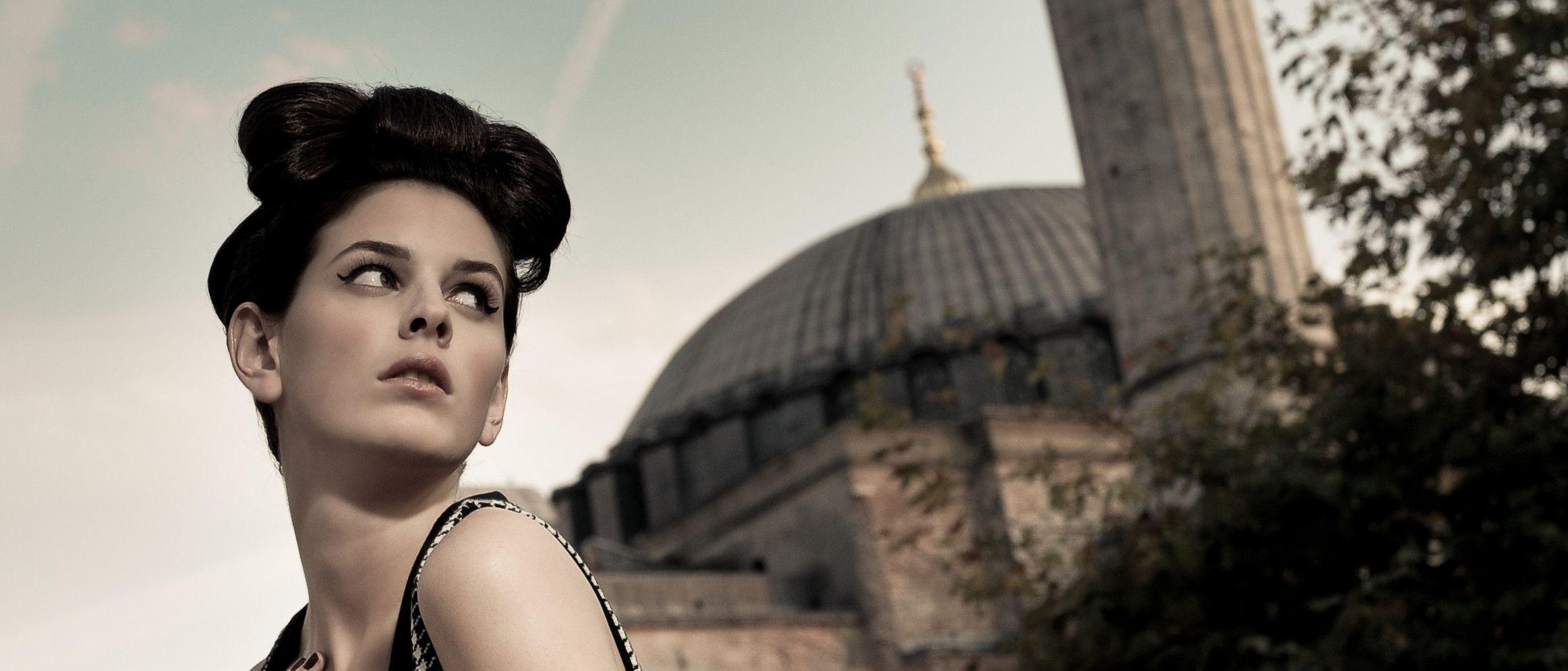 Hairstylist Müfide presenteert haarshow Sultans