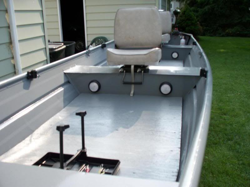 Aluminum deep bottom boats
