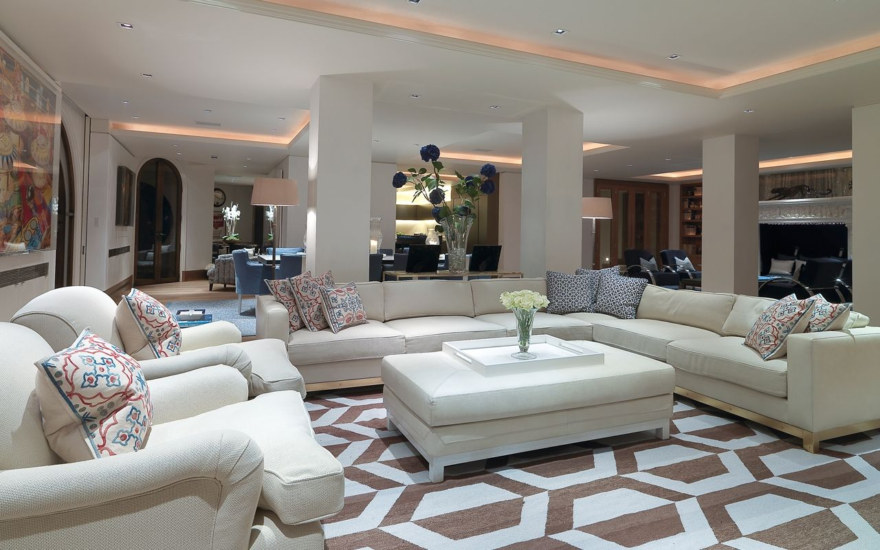 Private residential family home london luxury for Luxury residential interior designers london