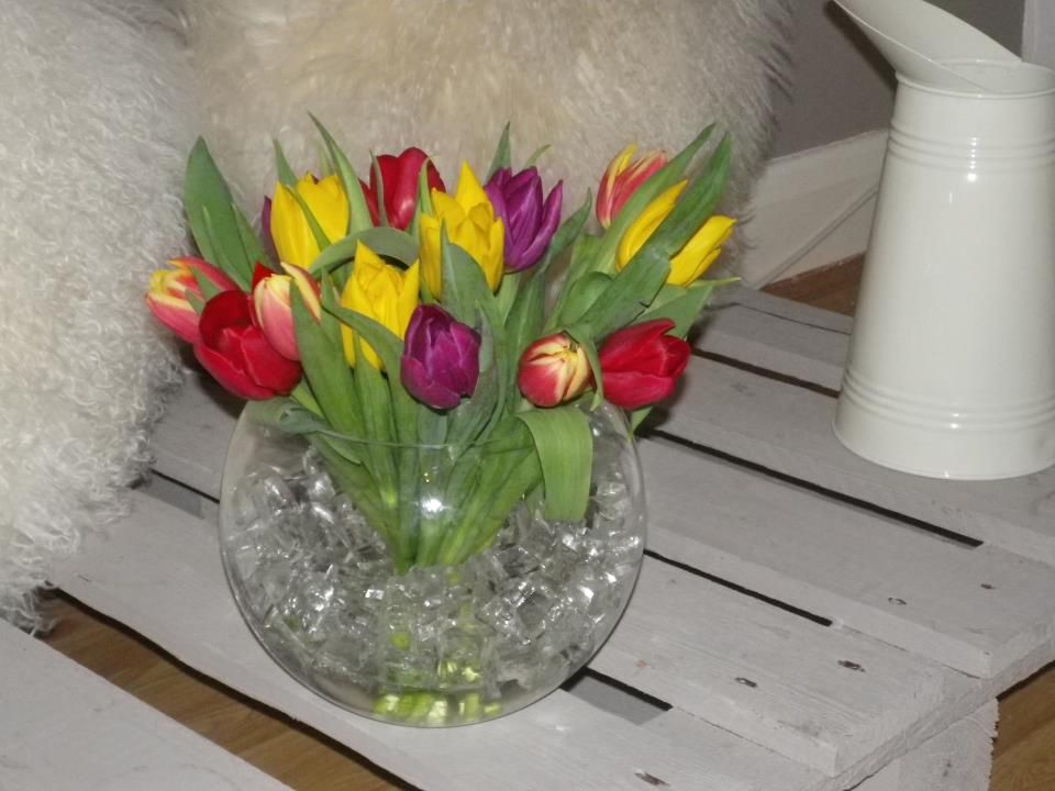 Tulip arrangement in fish bowl with water crystals spring easter tulip arrangement in fish bowl with water crystals spring easter flowers mightylinksfo