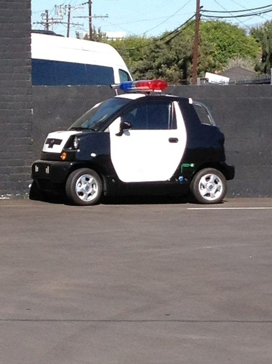 police smart car so much for a high speed chase cars pinterest smart car cars and. Black Bedroom Furniture Sets. Home Design Ideas