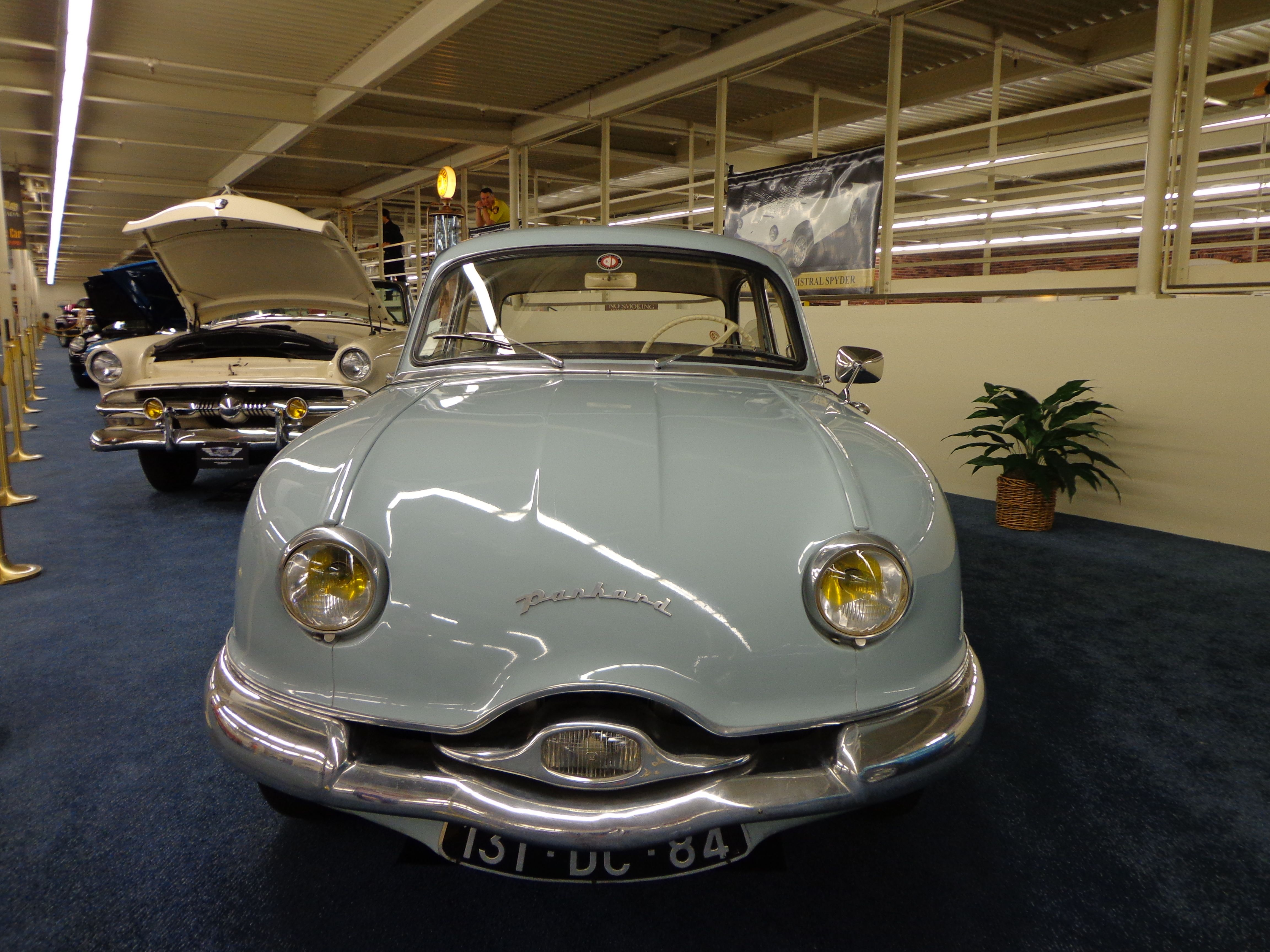 PANHARD DYNA 1957 Maintenance of old vehicles: the material for new ...