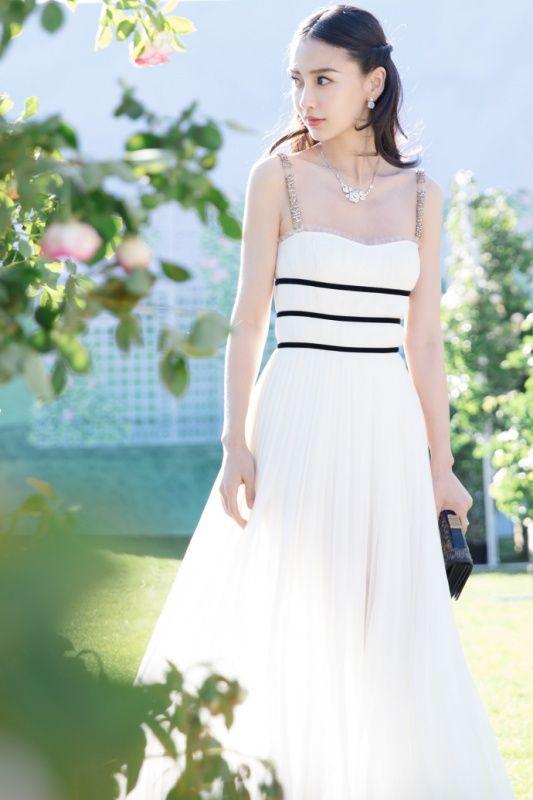 3d5e93223a3 Angelababy Dior