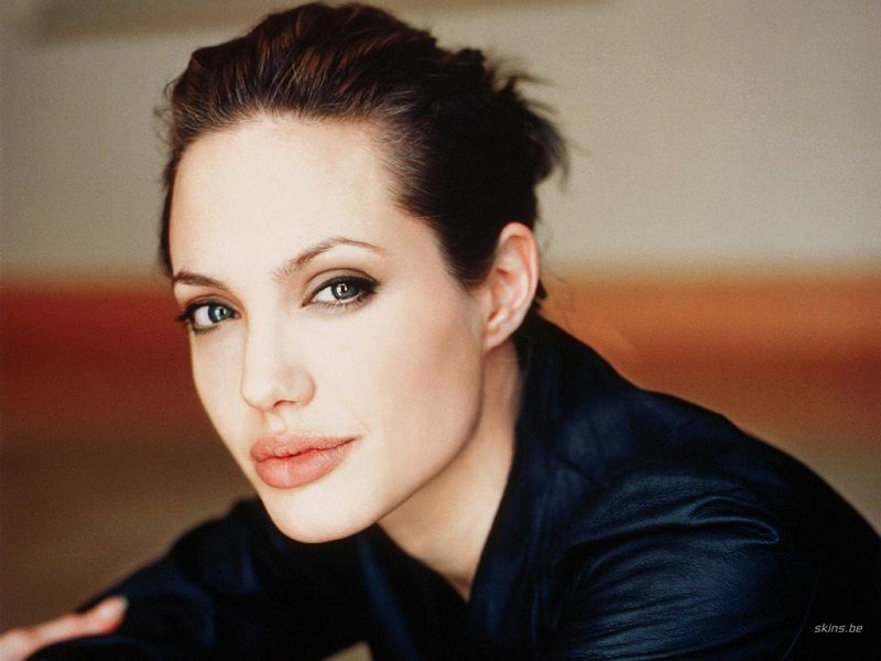 Angelina Jolie Opens Up About Marriage And Menopause - http://www.healthaim.com/angelina-jolie-opens-marriage-menopause/32911