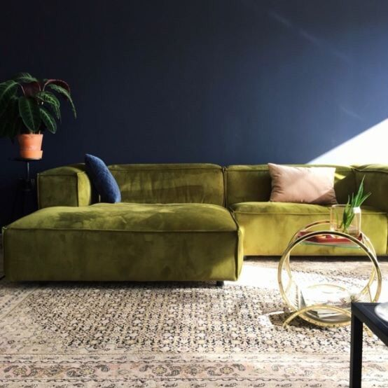 Green Rug Brown Sofa: Love The Green And Navy..but Need To Rock Better Pillows