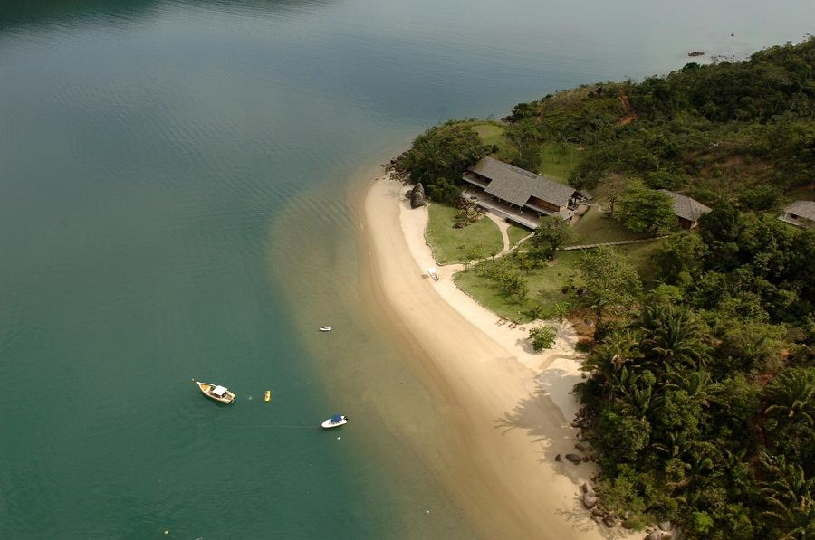 Casa Em Paraty Brazil Made Famous For Being The Twilight House Dream Vacations Destinations Beautiful Places To Visit