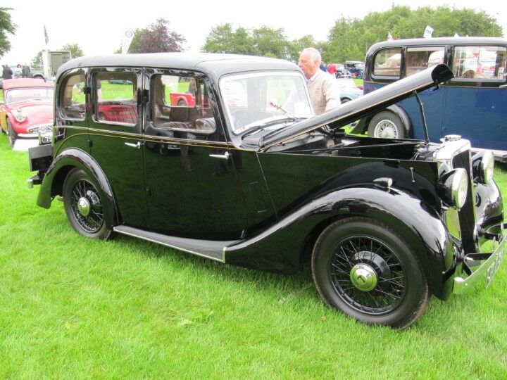 Lanchester 11 1937 At Sherborne Castle Classic Car Show Old Vintage Cars Classic Car Show British Cars