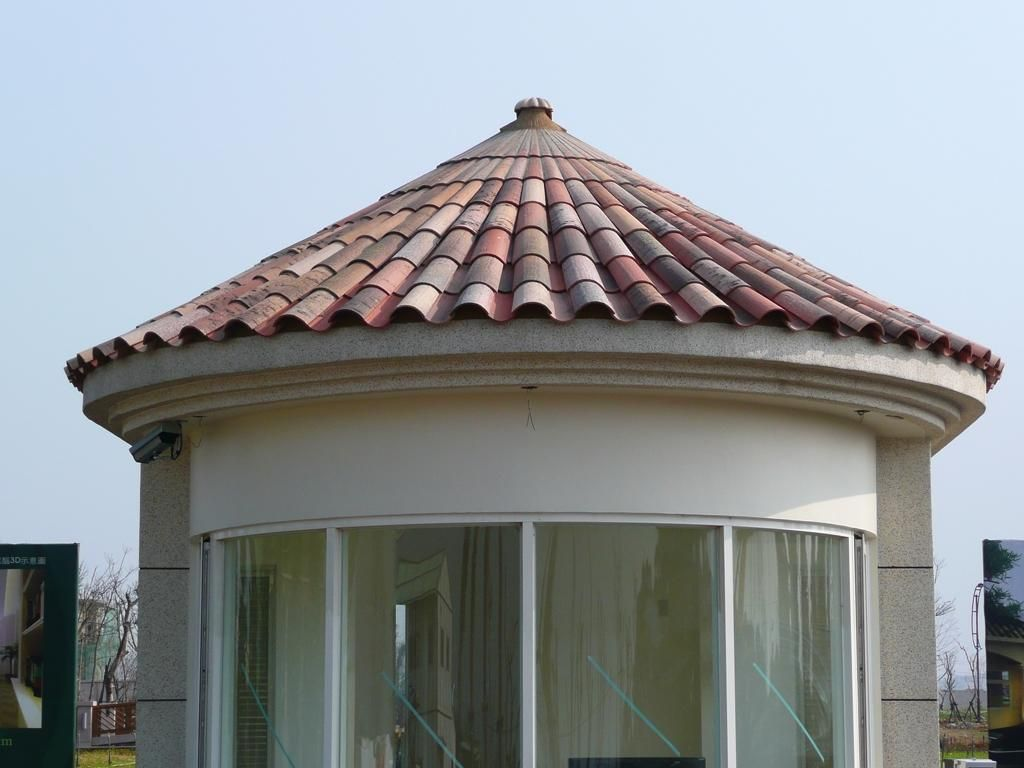 Curved Centanaria Ground Tejas Borja roof tile