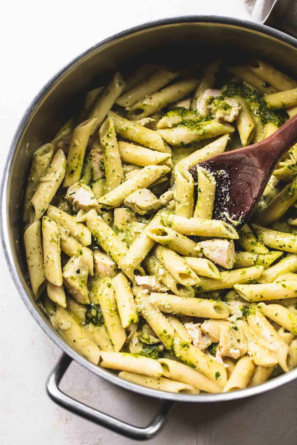 This One Pot Creamy Pesto Chicken Pasta Is A No Muss No Fuss Flavorful Recipe That Uses Creamy Pesto Chicken Pasta Pesto Chicken Pasta Pesto Pasta Recipes