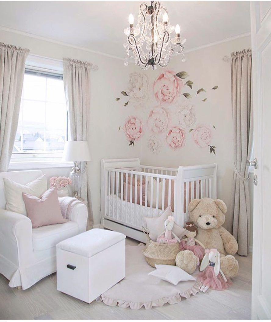 Pin de yolanda quiroz en decoraci n de cuarto de bebes for Decoracion para habitacion de bebe nina