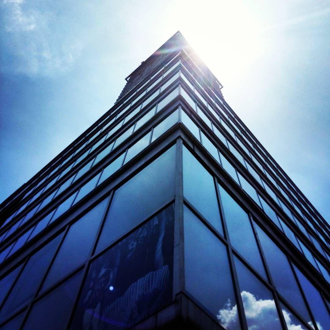 @OmyElEconomista La luz ideal para alocarse con el lente! ☁ #centroDF #CDMX #mexicocity #downtown #centrohistóricodf #buildings #building #Madero #torrelatinoamericana #torrelatino #A5 #visitmexico #architecture #arquitectura #arquitecturamx #paisaje_df #paisajedfeño #mexicolindo #mexicolors #sky #mextagram #picoftheday #Mexico #mexican #contraluz #mexigers
