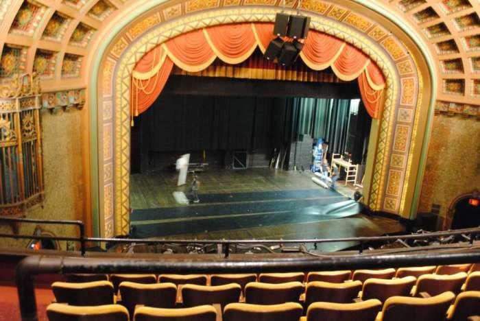 Proscenium arch google search die zauberflote for Balcony meaning