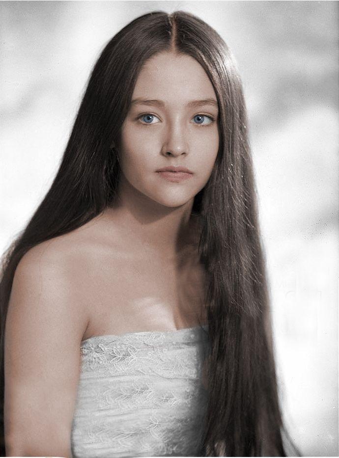 Olivia Hussey naked 321