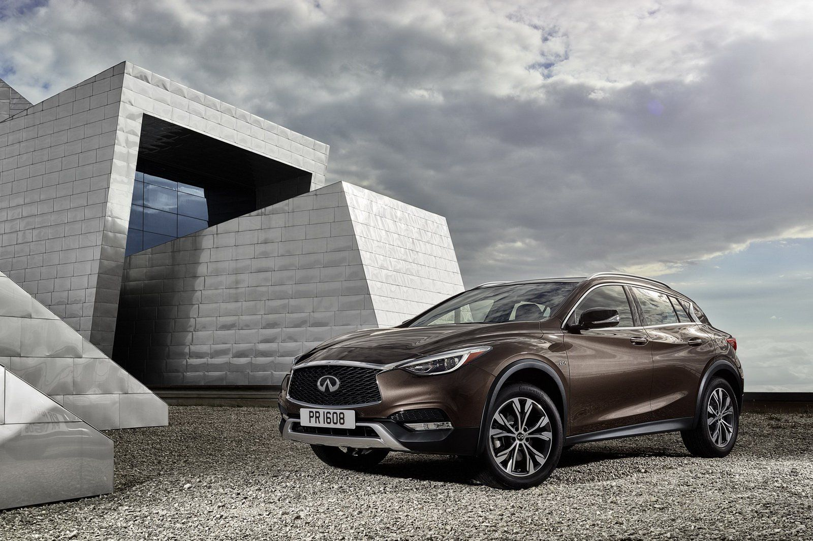 Infiniti And Mercedes Cancel Plans For Jointly Developed Luxury Compact Car Compact Luxury Cars Infiniti Compact Cars