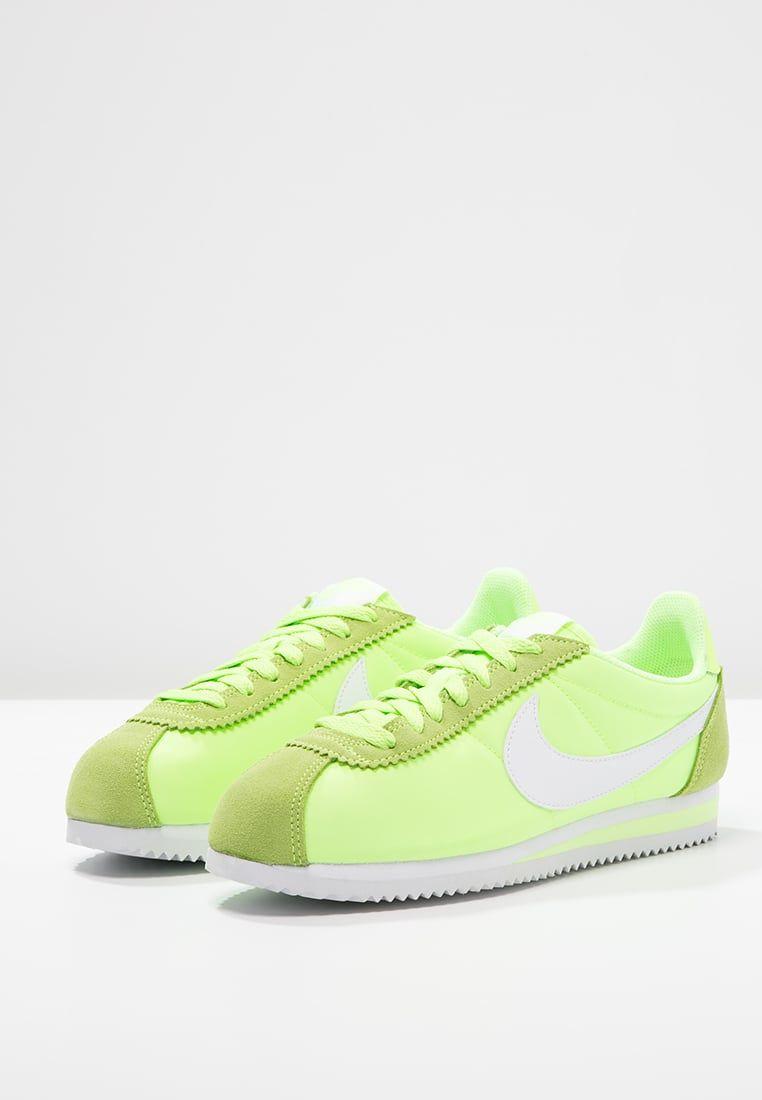 nike cortez classic - ghost green/white.